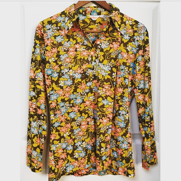 Vintage floral print blouse shirt with large golden buttons 1970s 70s